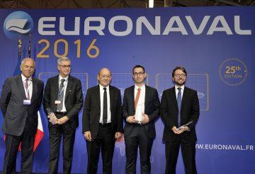 Inauguration et visite du ministre de la defense Jean-Yves Le Drian, en compagnie de Patrick Boissier, president du Gican et dÕEuronaval -Euronaval, au Bourget, le 18/10/2016