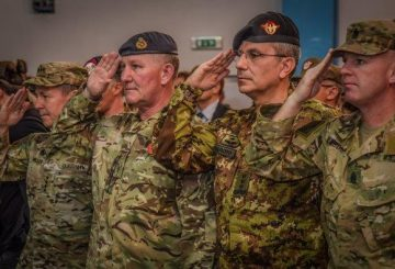 2. Da sinistra a destra il Generale Miller (USA) Tenente Generale Cripwell (UK) Generale di Corpo d'Armata (ITA) Camporeale (2)