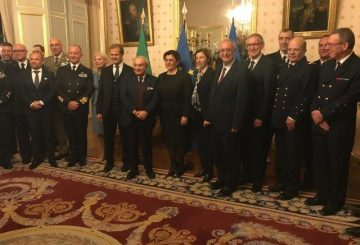4_foto di gruppo Ministri e capi Fincantieri e Naval Group