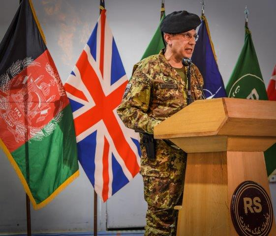 8. Un momento della cerimonia intervento del Generale di Corpo d'Armata Salvatore Camporeale (002)