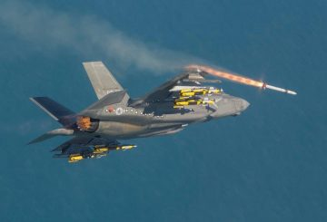 1. F-35B ASRAAM Live Fire