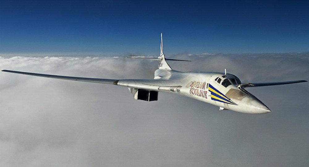 2_Tu-160_Rostec (002)
