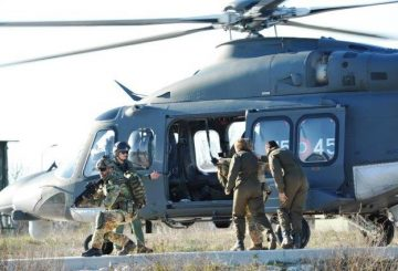 ExtractionTeamduranteleoperazionidiimbarcosull'HH139delpersonalerecuperato