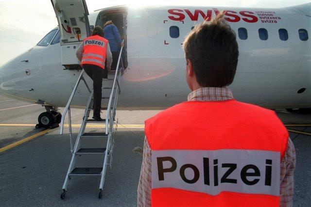 -espulsione-degli-stranieri-dalla-svizzera-impresa-quasi-impossibile-4j7w