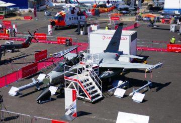 2_Il velivolo Leonardo's M346 F_A equipaggiato con radar Grifo con antenna convenzionale@Luca Peruzzi