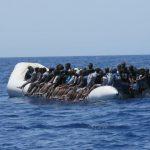 Clandestini: meno sbarchi in Italia e più mezzi alla Guardia Costiera libica