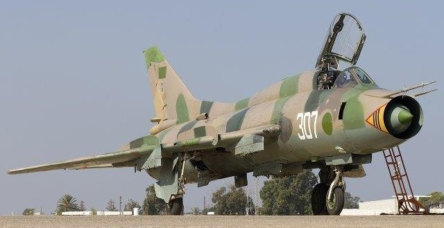 Libyan_Air_Force_Sukhoi_Su-22M3_Lofting