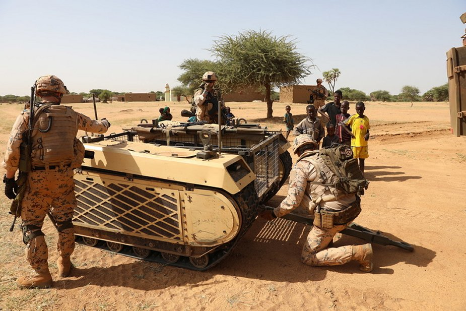 Estonian_infantry_platoon_deploys_Milrem_Robotics_THeMIS_UGV_for_first_time_in_Mali_1