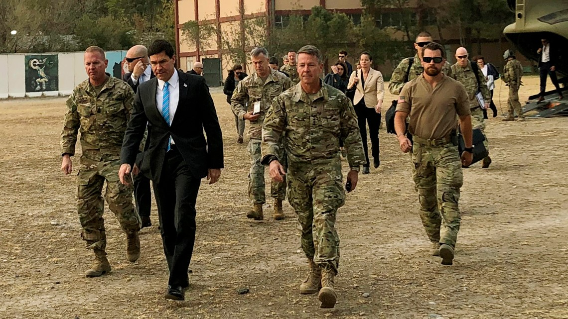 US-Defense-Chief-in-Afghanistan-for-Firsthand-Look-at-War