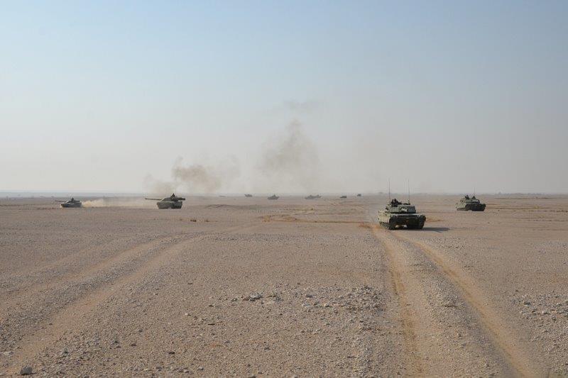 esercitazione in poligono plotone carri a protezione della compagnia meccanizzata sullo sfondo (002)