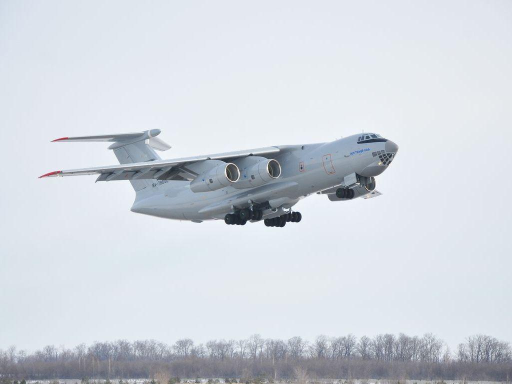 7_Il-76MD-90A_Ilyushin-002