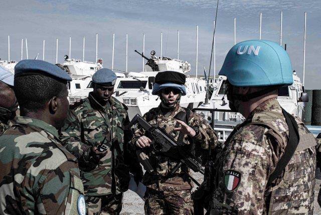 1- fase di coordinamento tra militari italiani e ganesi (002) (002)