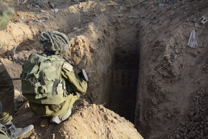 IDF_Soldiers_Uncover_Tunnels_in_Gaza_(14513059999)