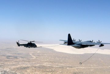 premier-ravitaillement-en-vol-d-helicopteres