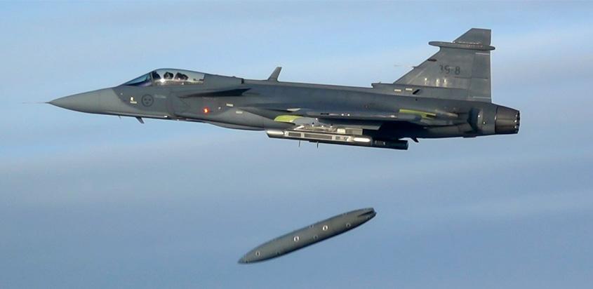 Saab_Gripen_E_Tank