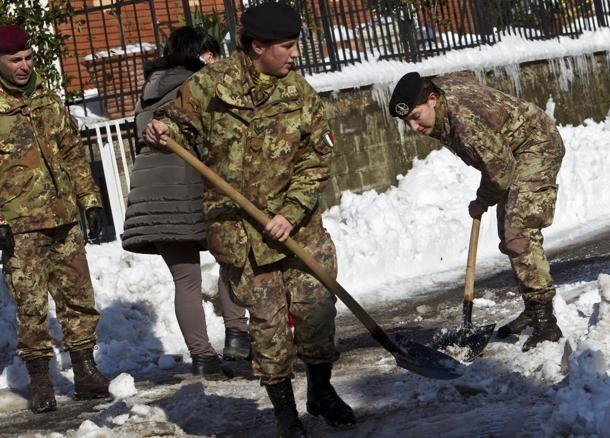 militari-e-neve