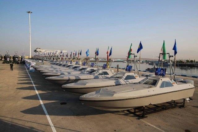 IRGC-Navy-boats-11