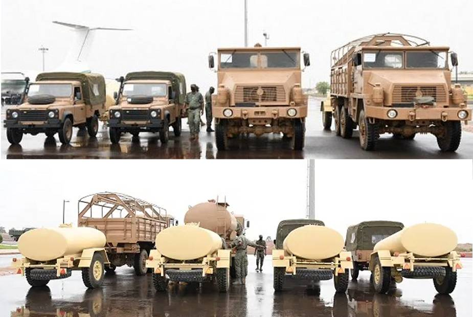 Algeria_delivers_53_military_logistic_trucks_and_4x4_tactical_vehicle_to_Malian_armed_forces_925_001
