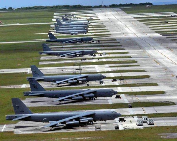 Andersenafb-parking-ramp-b-52s