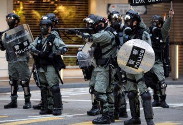 2019-12-11T044724Z_2_LYNXMPEFBA07V_RTROPTP_4_HONGKONG-PROTESTS-696x464