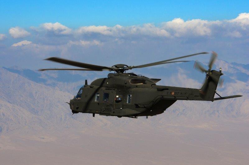 3. NH-90 in volo nei cieli afgani (002)