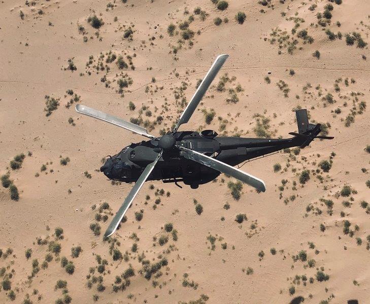 7. NH-90 in volo nei cieli afgani (002)