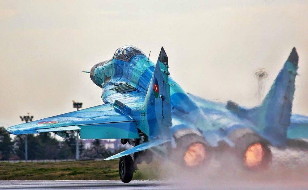 8_MiG-29Azerbaigian (002)