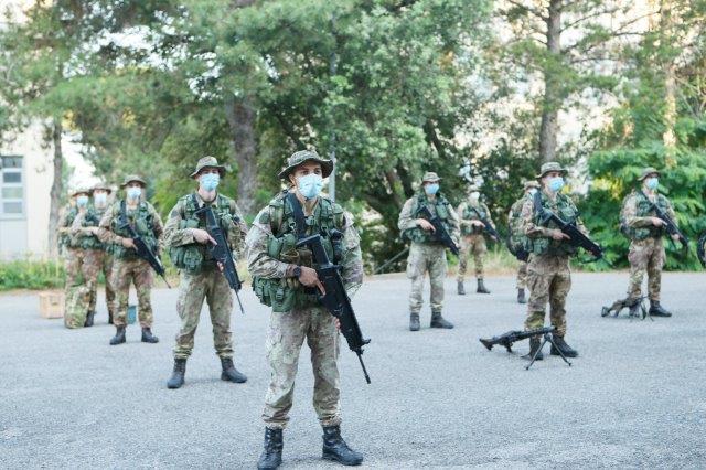 Foto 3 Allievi Marescialli della Scuola Sottufficiali dell'Esercito in a.._ (002)