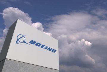 depositphotos_273321594-stock-video-boeing-logo-on-sky-background