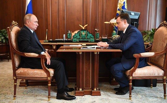 1_Putin_Slyusar_Cremlin (002)
