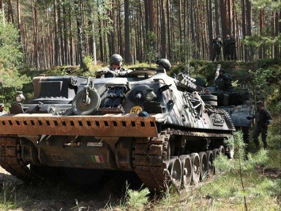541c7086-8b84-4e3f-9fe7-343d7c57cadfmissione in lettonia leopard soccorsoMedium