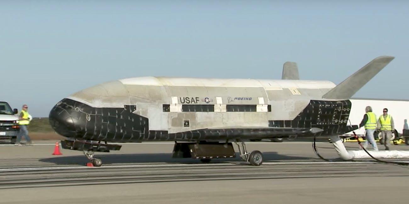 the-x-37b-orbital-test-vehicle-landing-in-2012