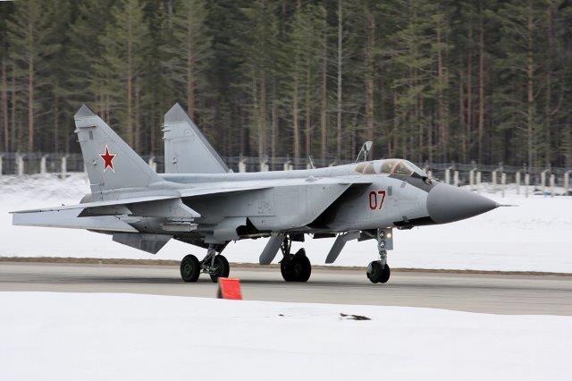MiG-31_790_IAP_Khotilovo_airbase-10