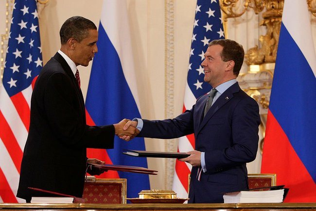 Obama_and_Medvedev_sign_Prague_Treaty_2010