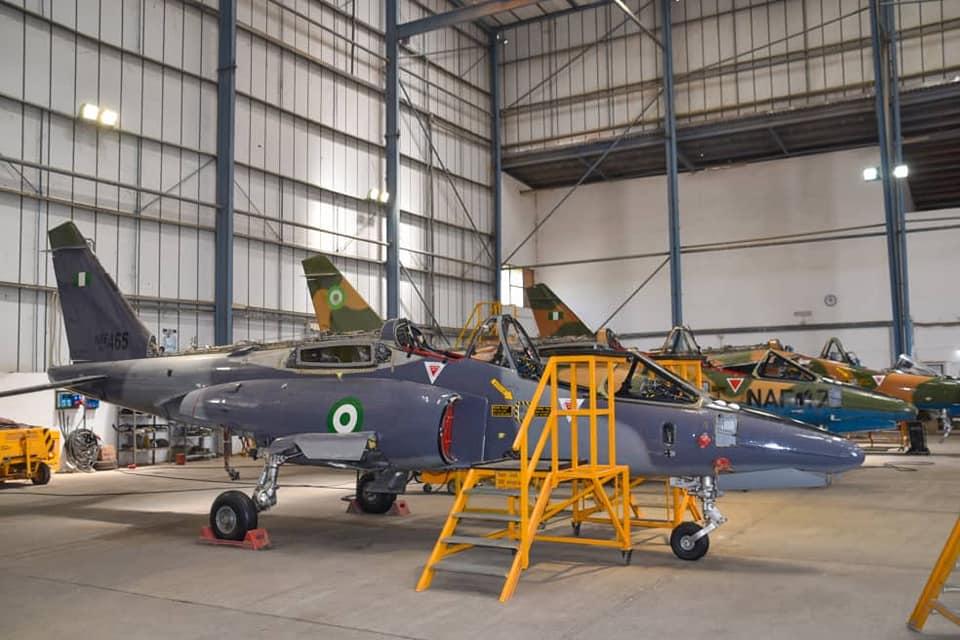 Alpha_Jets_hangar_NAF