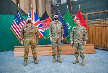 Da sinistra il Gen. CA Zanelli il LTG Hill e il Gen. Miller