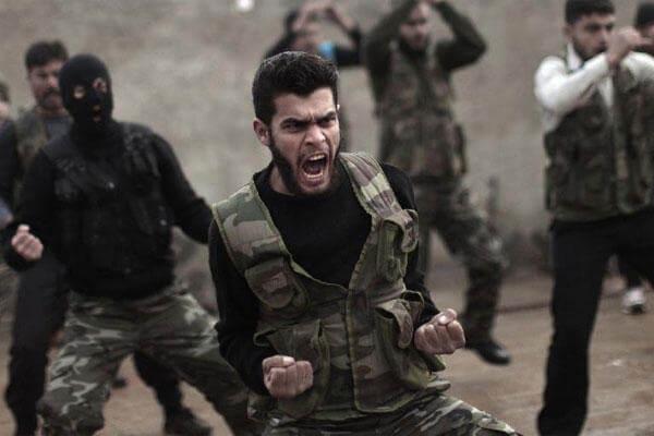 syrian-rebels-train-600