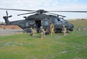 1_L'intervento dei tecnici nell'area di atterraggio forzato messa in sicurezza (002)