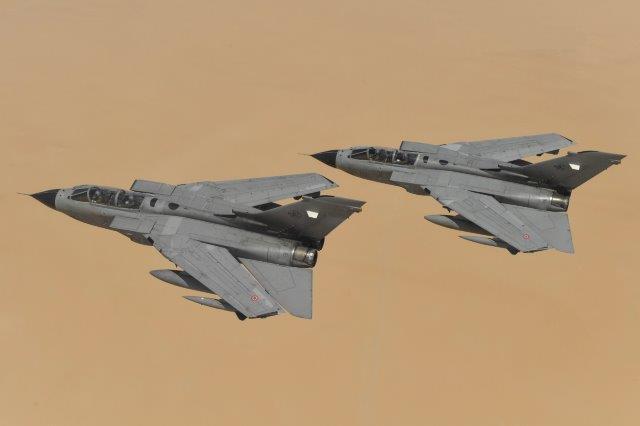 Coppia di Tornado in volo