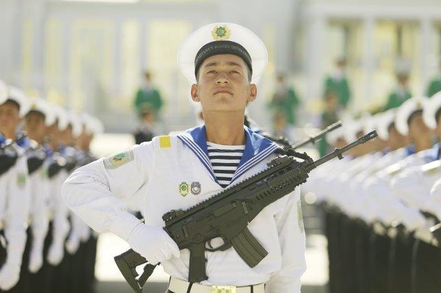 Turkmenistan Marinai con Beretta ARX 160