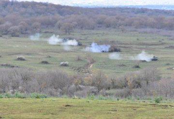 2. Plotone in esercitazione a fuoco