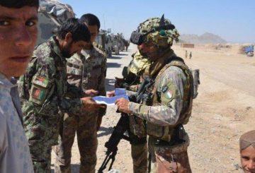 Pattuglia-mista-polizia-afgana-e-alpini-del-2-reggimento-R