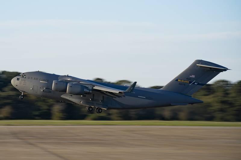 USAF_deploys_Raptors_to_Guam3